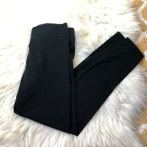 Solid black Aerie chill play move leggings size S